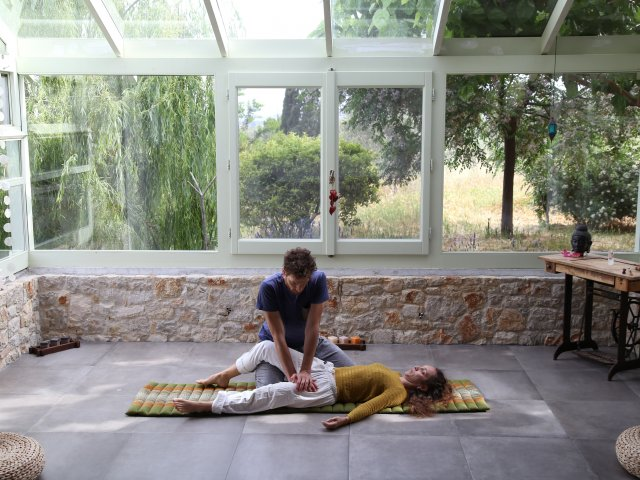 basic thai massage with panagiotis and kristina photoshoot 1-min
